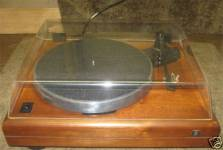 ar-es-1-walnut-base-turntable-1