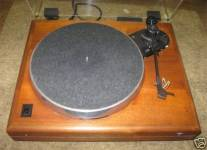 ar-es-1-walnut-base-turntable-2