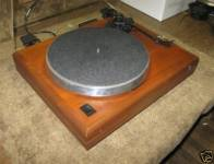 ar-es-1-walnut-base-turntable-3