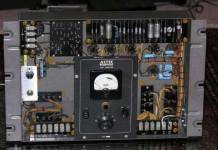 altec-a126-theater-amplifiers-3