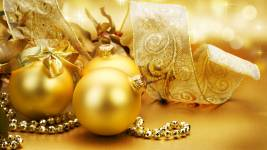 Golden-Christmas-Decoration