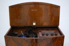 decca-walnut-radiogram-4