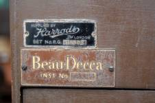 decca-walnut-radiogram-10