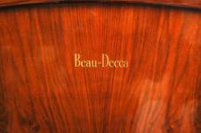 decca-walnut-radiogram-11